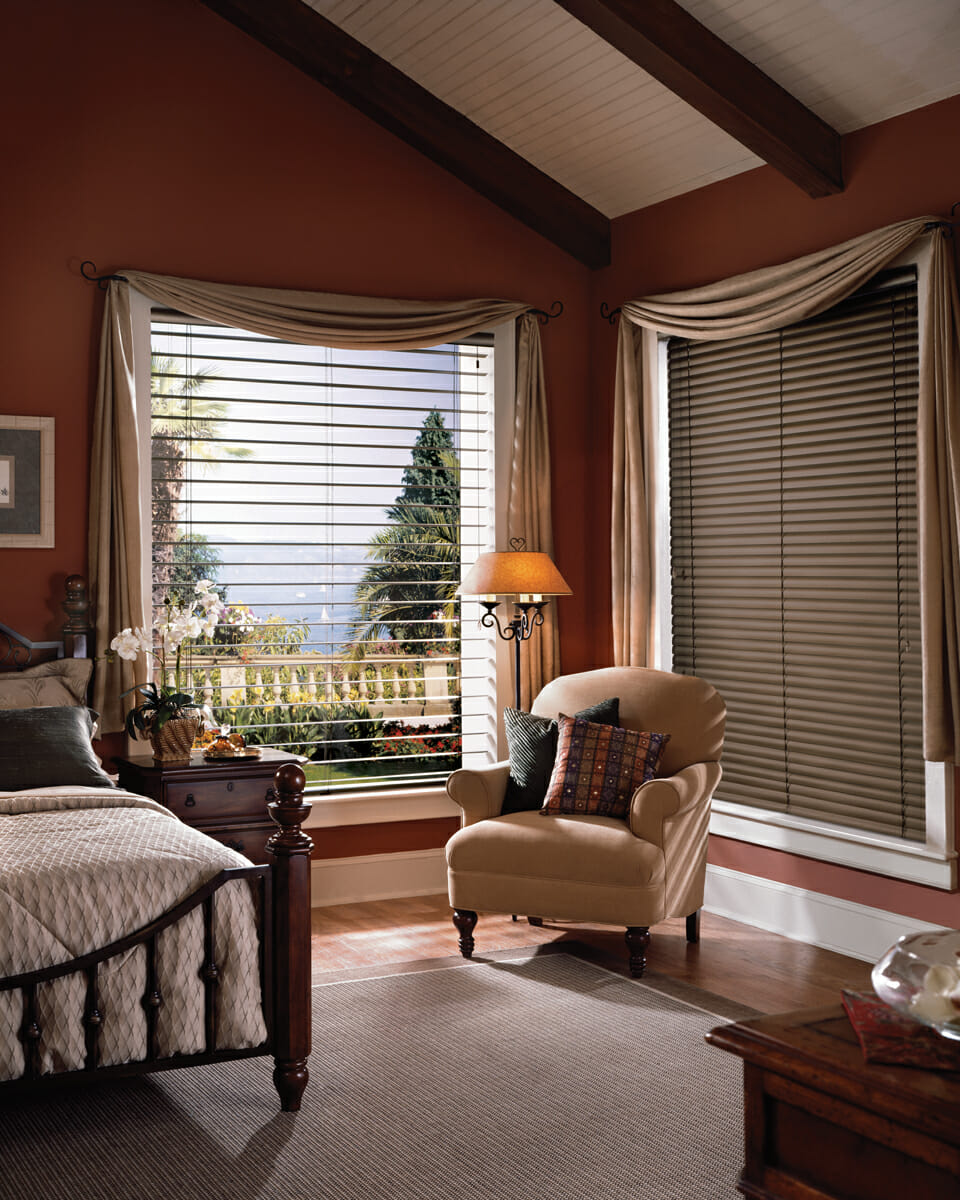 Macro blinds offer beautiful vistas Window coverings for bedrooms