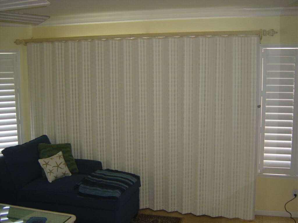 Woven Wood Drapery With Blackout Liner