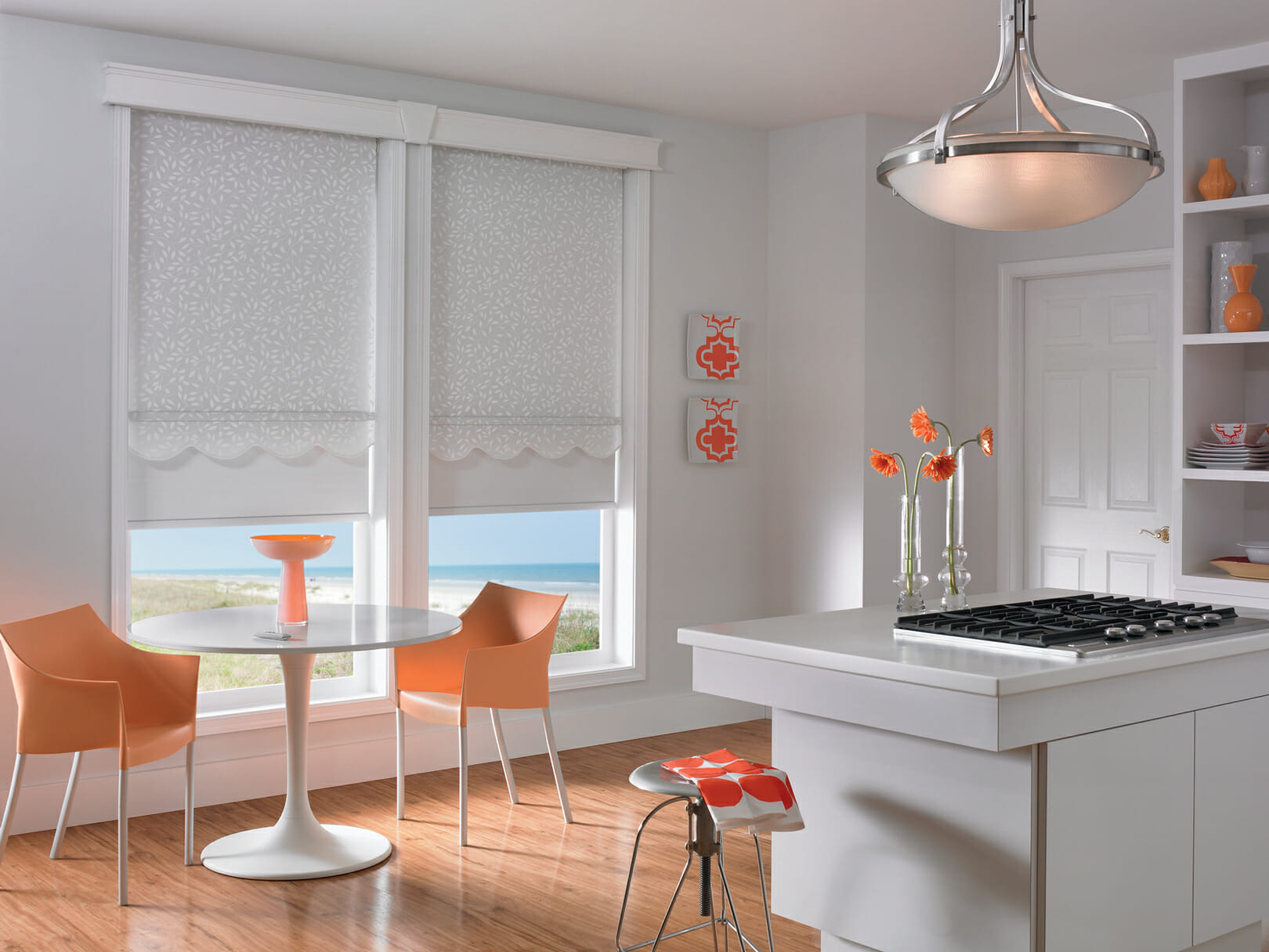 Superbe White Fabric Roll Shades In Kitchen From Graber Productid Gds0802 Rn110909ca