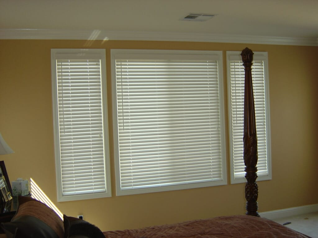 Wood blinds 3 blind mice window coverings for Window blinds