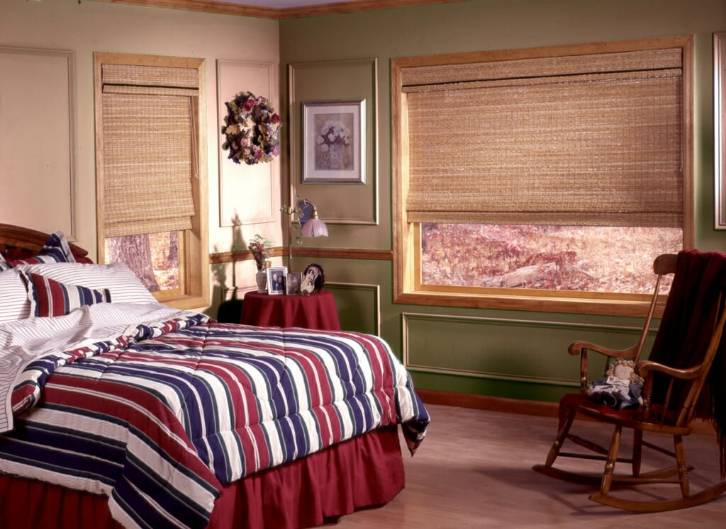 Window treatment ideas for the bedroom video photo gallery - Bedroom window ideas ...