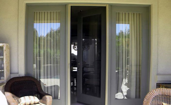 example of retractable screens