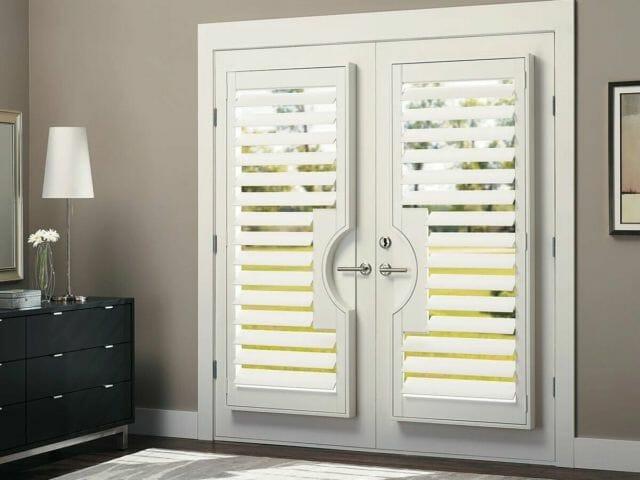 hunter-douglas-heritance-custom-wood-door-shutters-bedroom